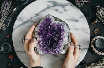 Mi espacio de conexión: Cómo crear un altar en tu hogar.